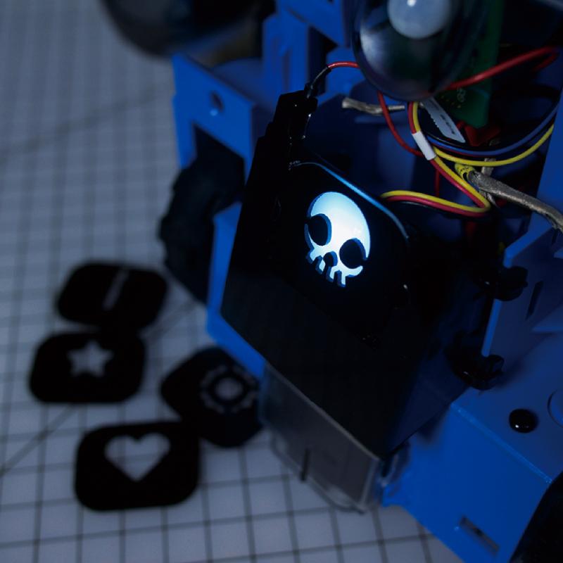 Kebbi Air S – Robot Creator 機器人組裝套件 燈光遮罩 隨機五款胸口燈光造型遮罩,也提供檔案 (.ai, .dxf),讓你自己設計!